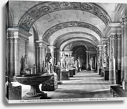 Постер Гирадон Адольф (фото, фр) View of the Caryatids' room in the Louvre Museum, c.1900-04