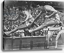 Постер William Porter on his way to winning Gold in the 110 m. hurdles event with a new Olympic record time of 13.9 secs. at the 1948 London Olympic Games