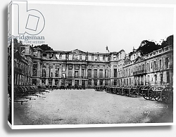 Постер Гирадон Адольф (фото, фр) Cannons in the Courtyard of the Chateau de Saint-Cloud, 1870-1881