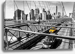 Постер США, Нью-Йорк. Taxi cab crossing the Brooklyn Bridge