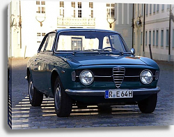 Постер Alfa Romeo Giulia Coupe 1300 GT Junior '1966–71
