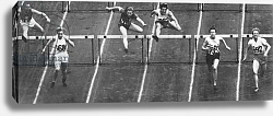 Постер Fanny Blankers-Koen on her way to winning Gold in the 80 m. hurdles race at the 1948 London Olympics