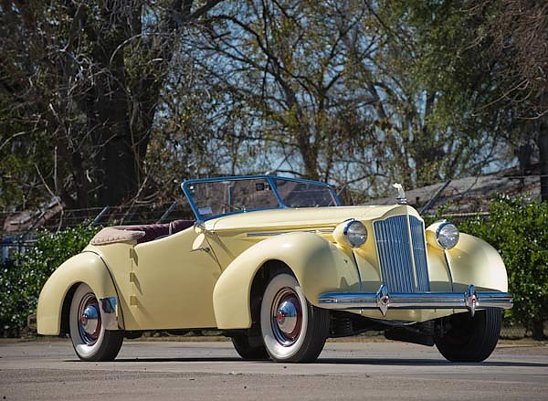 Packard Eight Convertible Victoria by Darrin '1939