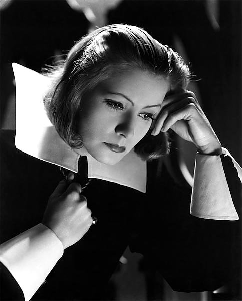 Garbo, Greta (Queen Christina) 3