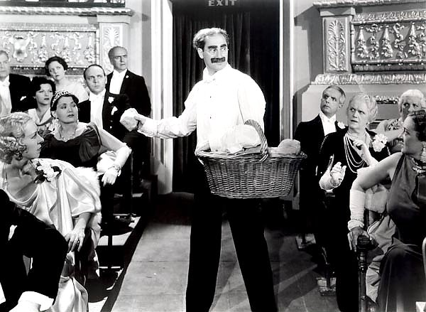 Marx Brothers (A Night At The Opera) 5