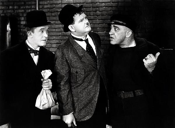 Laurel & Hardy (Live Ghost, The)
