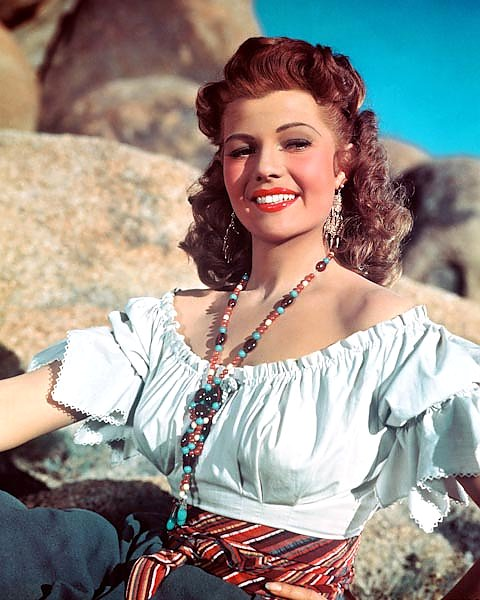 Hayworth, Rita (Loves Of Carmen, The) 2