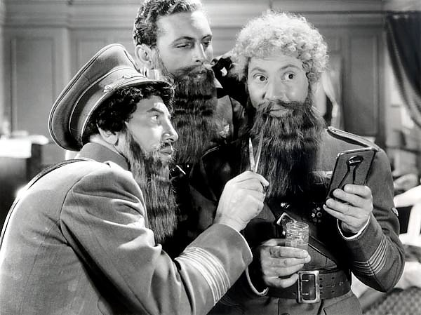 Marx Brothers (A Night At The Opera)