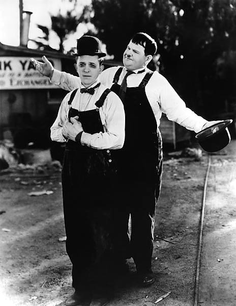 Laurel & Hardy (Towed In A Hole) 3