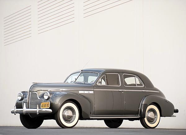 Buick Super Eight 4-door Sedan '1940–42