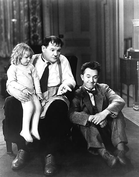 Laurel & Hardy (Pack Up Your Troubles) 2