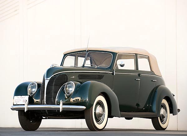 Ford Deluxe V8 Convertible Sedan (81A) '1938