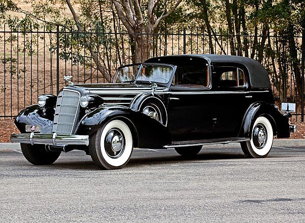 Cadillac V12 370-D Town Cabriolet by Fleetwood '1935
