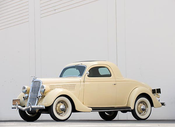 Ford V8 Deluxe 3-window Coupe '1935