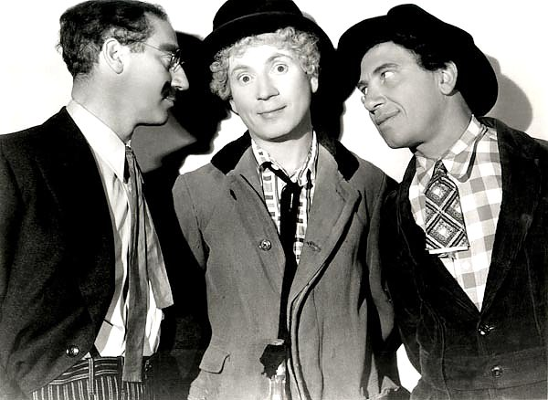 Marx Brothers (A Night At The Opera) 3